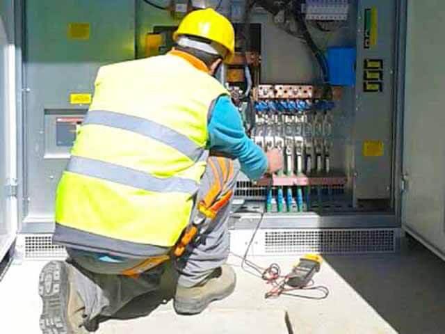 mantenimiento cableado planta solar