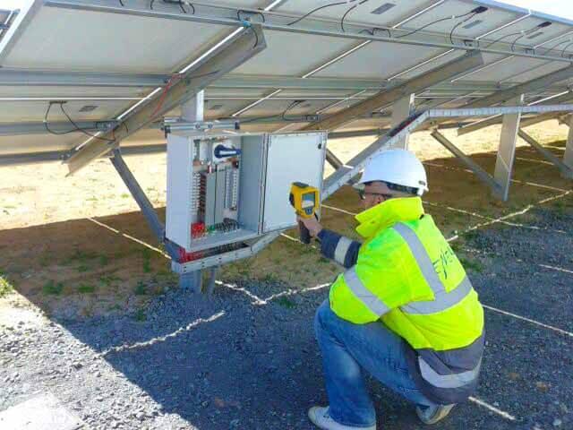mantenimiento cuadro electrico planta solar